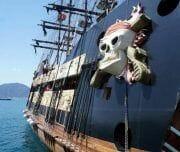 raduga tour marmaris korsan gemi 4 1 180x152 - Пиратская Яхта