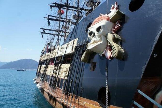 raduga tour marmaris korsan gemi 4 - Пиратская Яхта